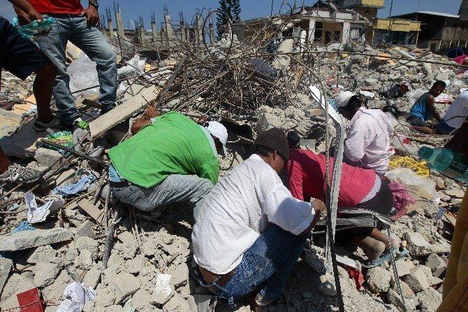 Ekvador Depreminde Ölü Sayısı 507