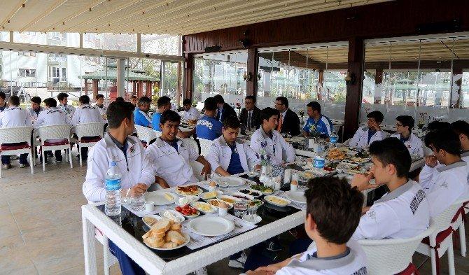 Atakum Belediyespor'dan Başkan Taşçı'ya Şampiyonluk Sözü