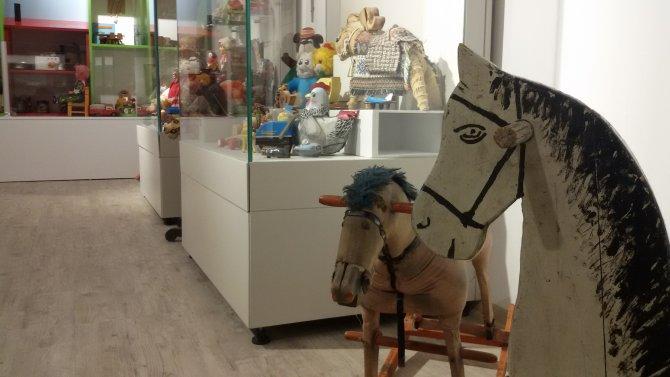 Asırlık oyuncaklar, Ankara Üniversitesi Oyuncak Müzesi'nde sergileniyor
