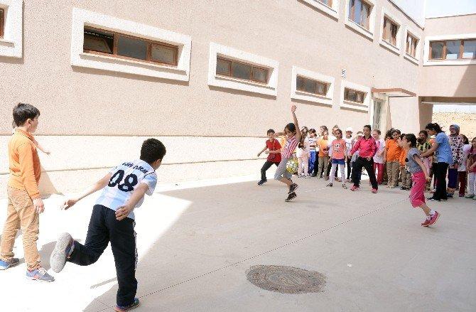 Tuzla'da Sokak Oyunları Olimpiyatı Heyecanı Yaşanıyor