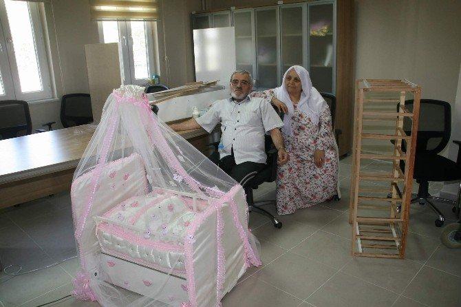 Yozgat'ta Huzurevi'nde Kalan Yaşlı Çift Boş Zamanlarını Maket Yaparak Değerlendiriyor