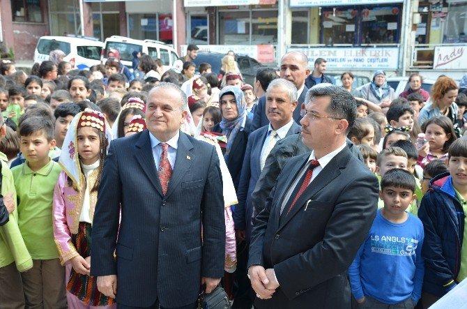 Atatürk İlkokulu Sergisiyle Göz Doldurdu