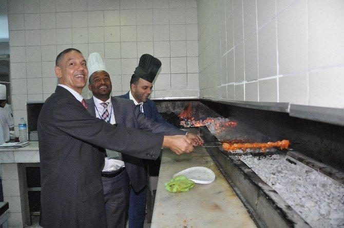Yabancı Belediye Başkanlarının Mangal Keyfi