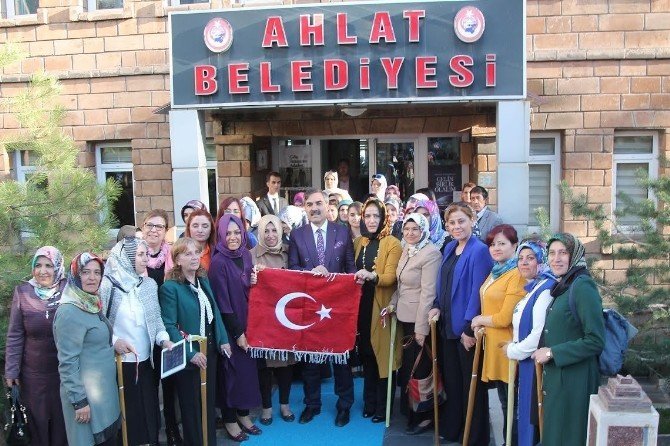 AK Parti Heyetinden Ahlat Ziyareti