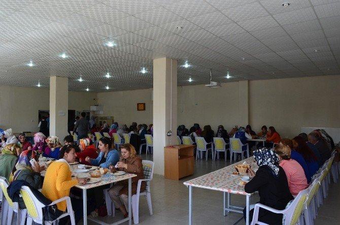 AK Partili Kadınlardan Adilcevaz'a Ziyaret