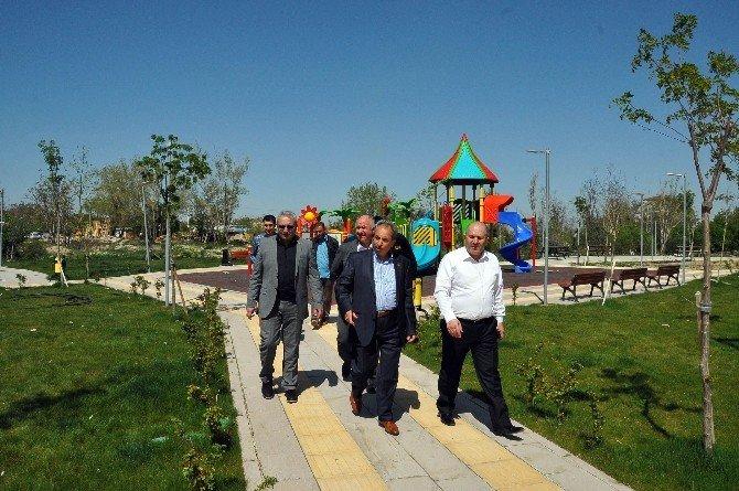 Milletvekili Baloğlu Ve Başkan Akkaya Engelsiz Yaşam Merkezini Gezdi