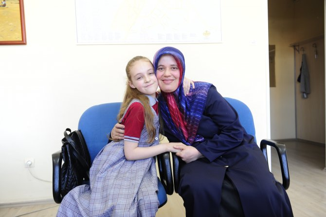 Türkmenlere yardım eden Naz 23 Nisan'ı Cumhurbaşkanı Külliyesi'nde kutlayacak