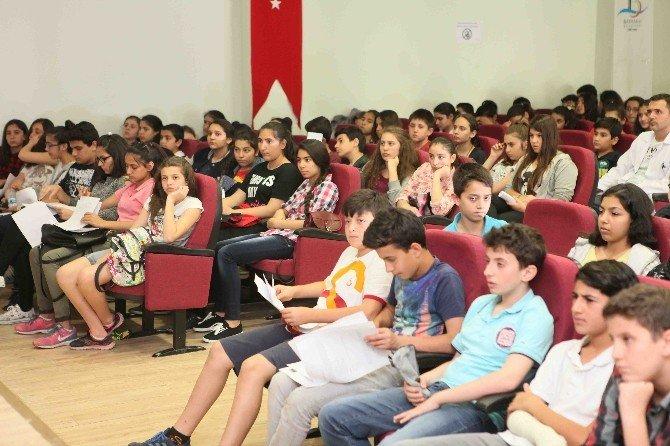 Öğrencilere Sınav Stresine Karşı Yaşam Koçu Desteği