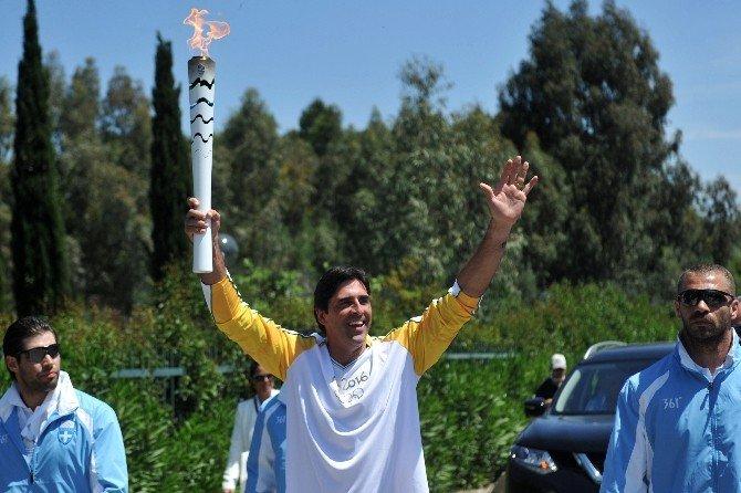 Rio Olimpiyatları İçin Meşale Yunanistan'da Yakıldı