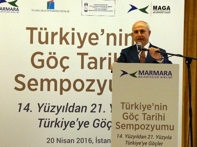 """Başkan Akgün: """"Göçler, Dünyayı Yönetmek İsteyenlerin Eseridir"""""""