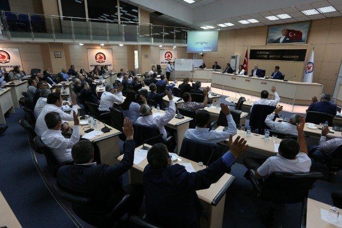Büyükşehir Belediyesi 2015 Faaliyet Raporu Onaylandı