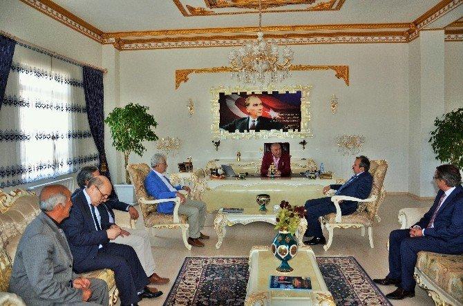 CHP Milletvekillerinden Çat Belediyesi'ne Ziyaret...