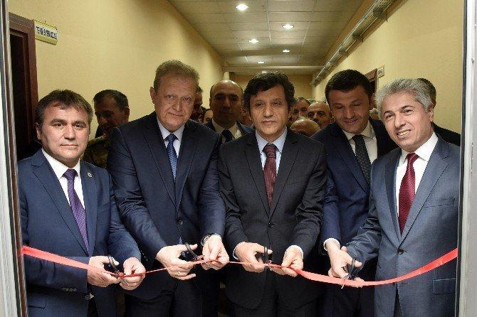 Gümüşhane Lisesinde Hasan Nuri Yaşar Kütüphanesi Açıldı