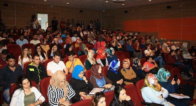 DÜ'de 'Aile Olmak' Konferansı