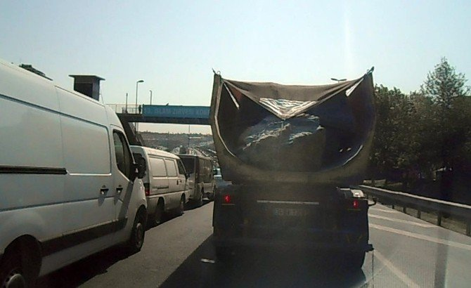 E-5 Karayolu'nda Korkutan Görüntü