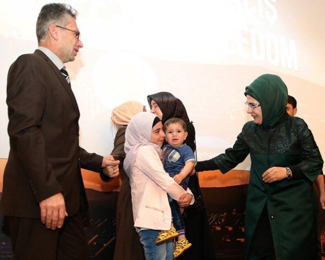 Emine Erdoğan, 'Özgürlüğe Kaçış' belgeselinin gala gösterimine katıldı