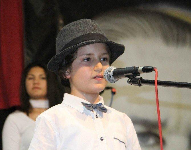 Çocuk Orkestrası Büyüledi
