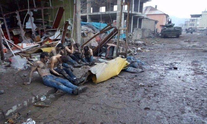 Yüksekova'da 8 PKK'lı Teslim Oldu