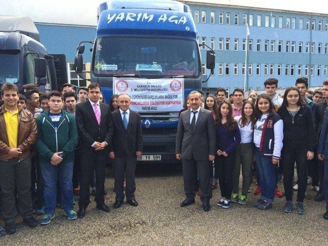 Öğrencilerden Sığınmacılara Yardım Tırı Gönderildi
