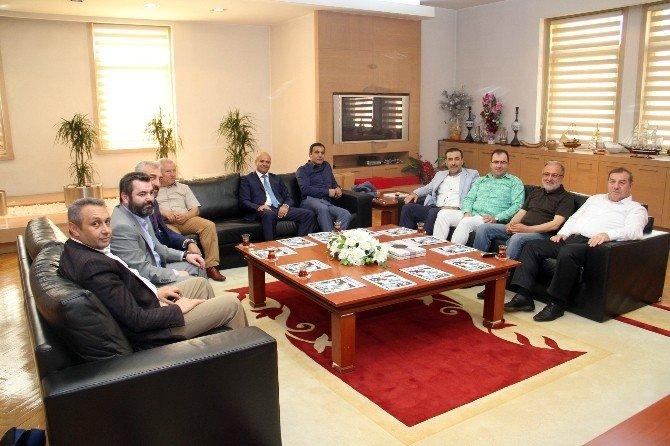 Esenyurtspor, Başkan Kadıoğlu'nu Ziyaret Etti