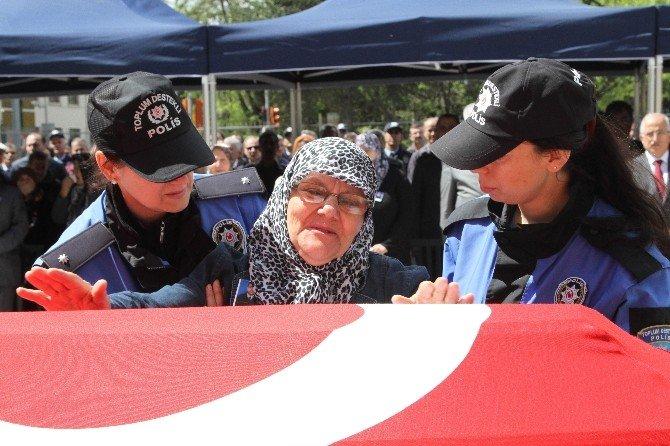 Hayatını Kaybeden Polis Memuru Son Yolculuğuna Uğurlandı