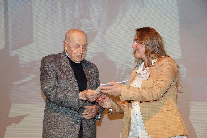 Doç. Dr. Hatice Zeynep İnan'a Genç Bilim İnsanı Ödülü