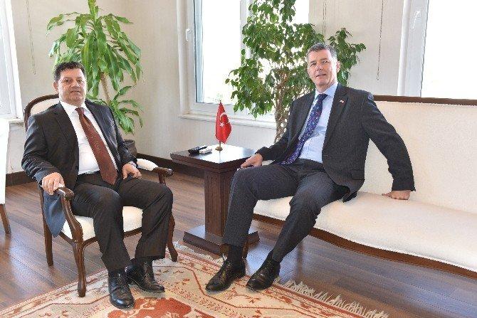 """İngiltere Büyükelçinden """"Türkiye'ye Güvenle Gelebilirsiniz"""" Çağrısı"""