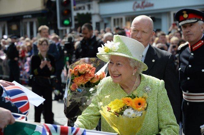 Kraliçe Elizabeth 90. Doğum Gününü Kutluyor