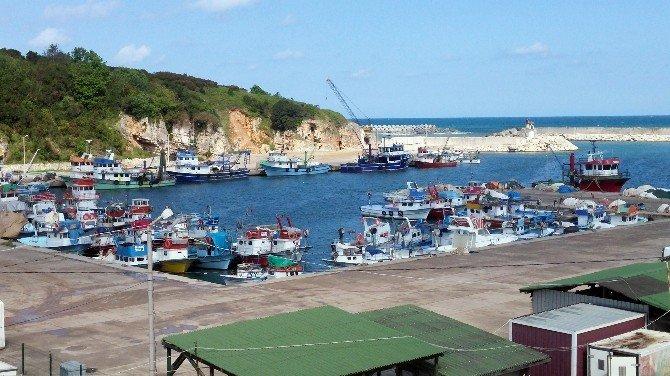 Roman Karasularına Giren Balıkçıların Köylüleri Bu Duruma Alışmış
