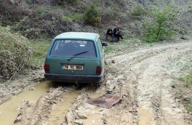 Otomobil Hırsızları Yakalandı