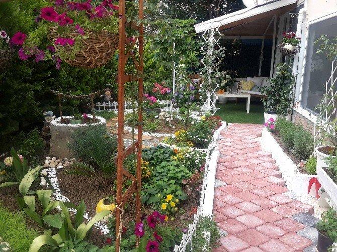 Karşıyaka'da En Güzel Balkon Ve Bahçeler Seçiliyor