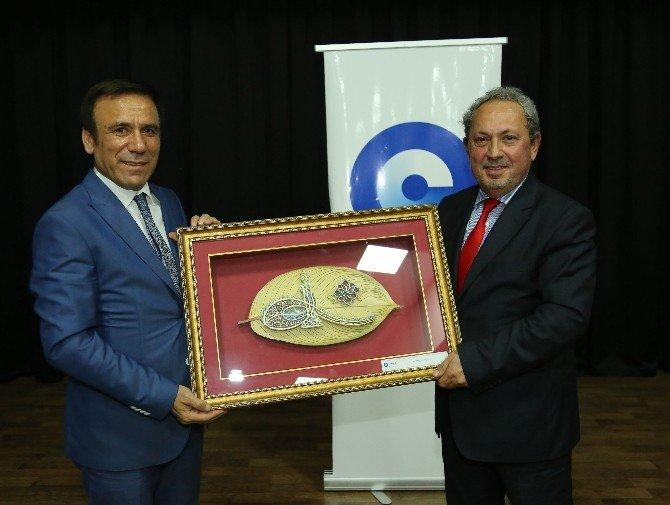 Yeni Türkiye'ye Yeni Anayasa