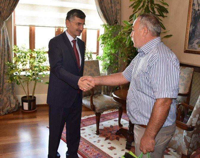Kıbrıslı Muhtarlardan Vali Bektaş'a Ziyaret