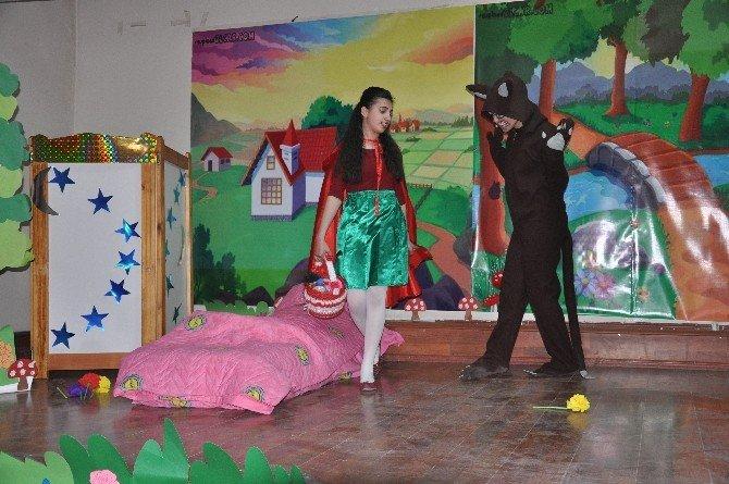 Bulanık'ta Tiyatro Gösterimi