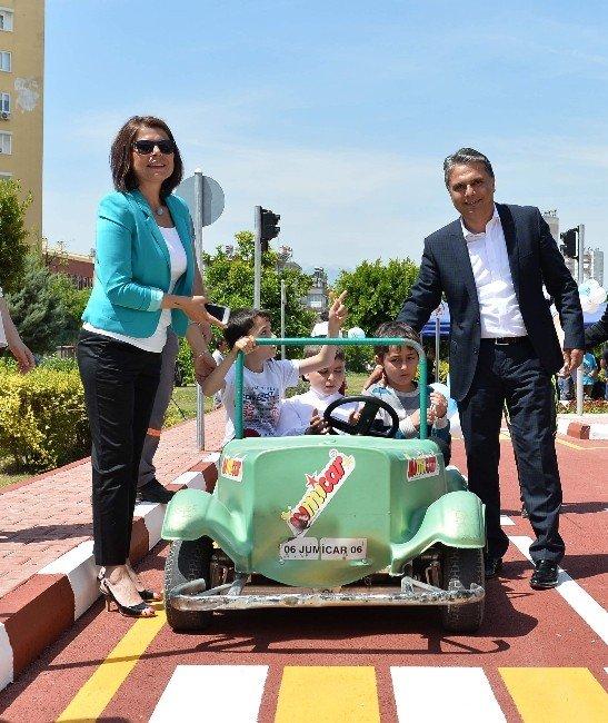 Otistik Çocuklar Trafik Parkı Hizmete Girdi