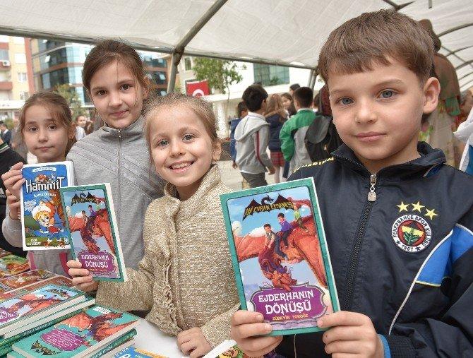 Çocuklar Kitapla Buluştu