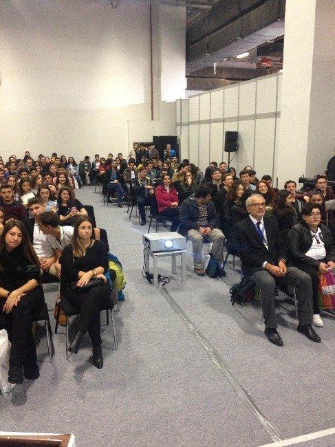 Öğrencilerden Zirve Üniversitesi'ne Yoğun İlgi