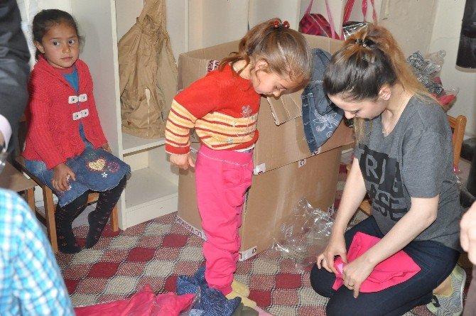 Patnos Gazeteciler Cemiyeti'nden Üç Bin Öğrenciye Giyim Yardımı