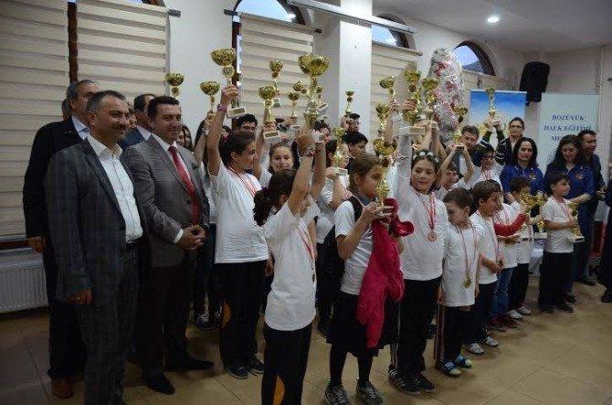 Bozüyük'te Satranç Turnuvası Ödülleri Verildi