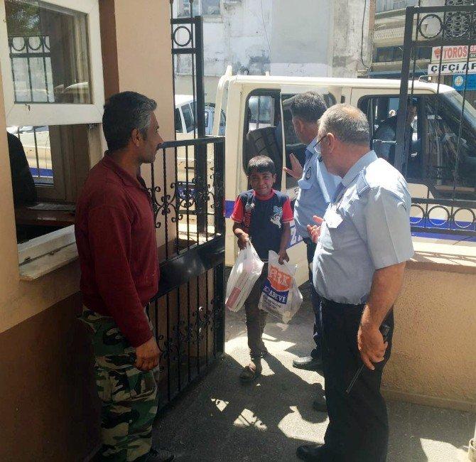 Zabıta, Çocuklara Dilencilik Yaptıran Suriyeliyi Polise Teslim Etti