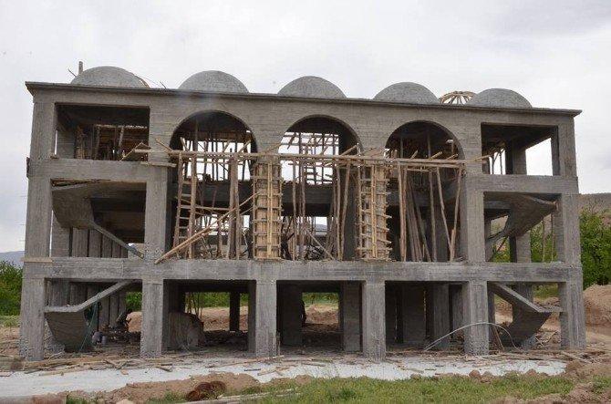 Yarım Kalan Cami İnşaatı İçin Yardım Bekleniyor