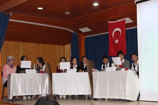 Sungurlu'da Bilgi Yarışmasının Finali Yapıldı