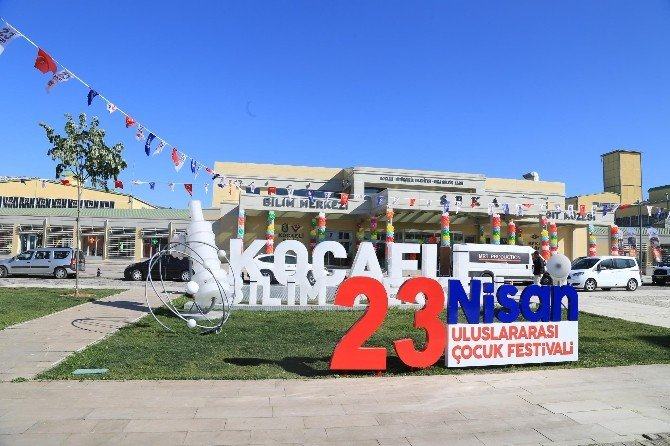 23. Nisan Festivali 2. Gününde De Katılımcılarını Eğlendirecek