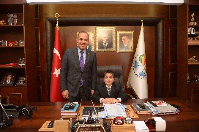 """Çocuk Başkan'dan """"Adanalı Her Yerde Okur"""" Projesi"""
