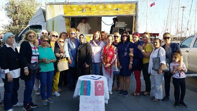 AK Partili Başkan Vatandaşlara Lokma Dağıttı