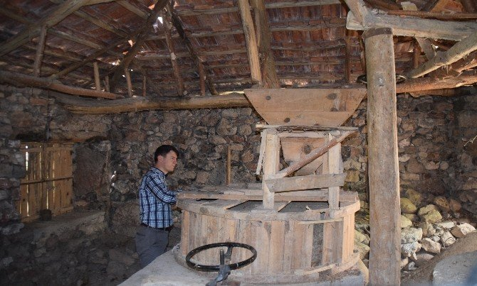 400 Yıllık Su Değirmeni Yeniden Çalışacak