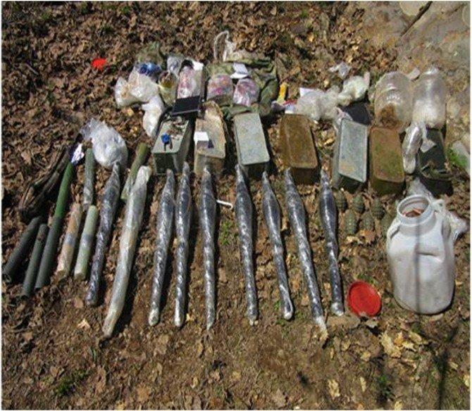 Bingöl'de Sığınakta Mühimmat Ele Geçirildi