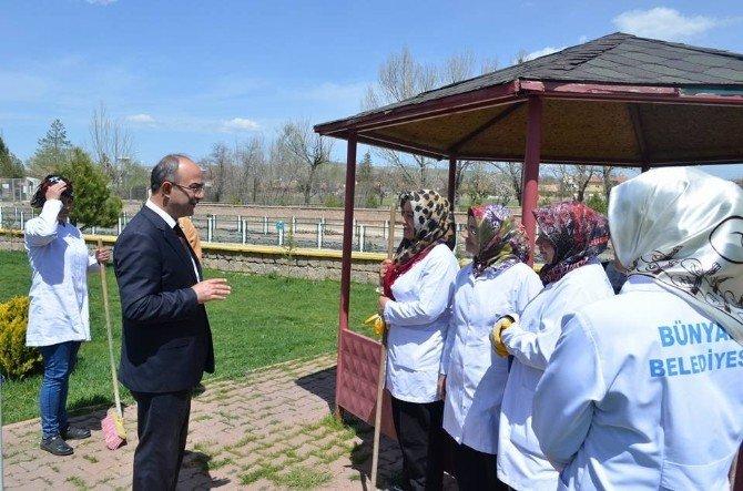 Başkan Gülcüoğlu TEMA Vakfı Ağaç Dikimine Katıldı