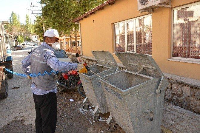 Çameli'de Çöp Konteynırları Dezenfekte Edildi