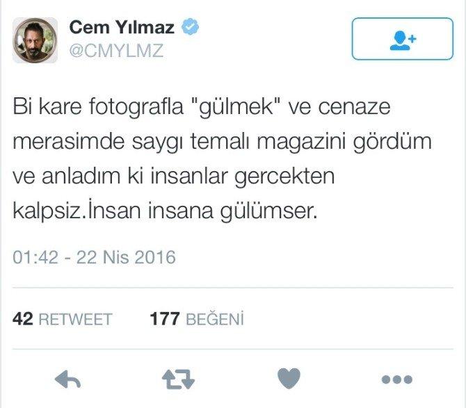 Cem Yılmaz'dan, 'Cenazede Gülen Fotoğraf'a Açıklama